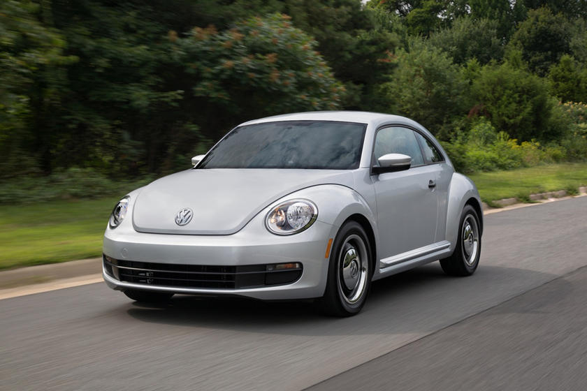 2017 Volkswagen Beetle 1.8T Classic 2dr Hatchback Exterior. MY15 Shown.