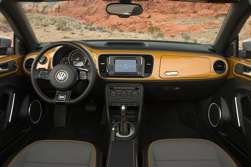 2017 Volkswagen Beetle 1.8T Dune 2dr Hatchback Dashboard