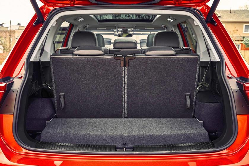2018 Volkswagen Tiguan SEL Premium 4Motion 4dr SUV Cargo Area