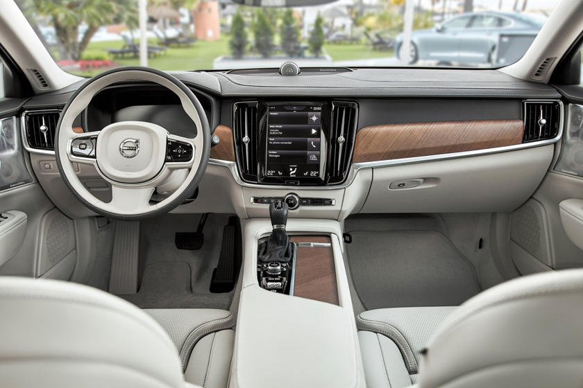 2018 Volvo S90 T6 Inscription Sedan Dashboard