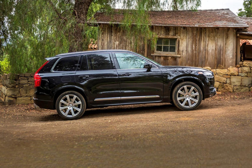 2015-2019 Volvo  XC90 T6 Inscription 4dr SUV Profile Shown