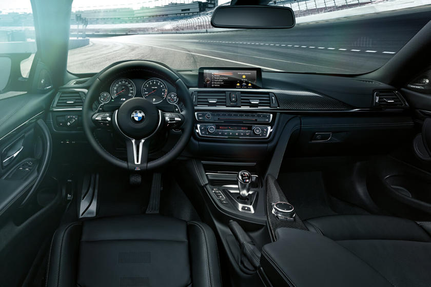 2015-2017 BMW  M4 Driver and Passenger Front View