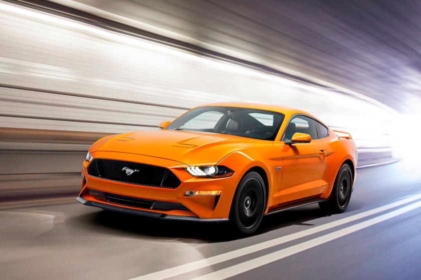 2018-2019 Ford Mustang Coupe Front Side in Motion