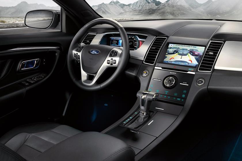 2014-2019 Ford Taurus Sedan Central Console