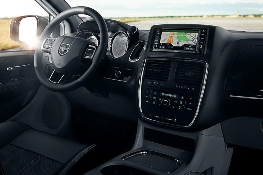 2014-2019 Dodge  Grand Caravan Minivan Dashboard Layout
