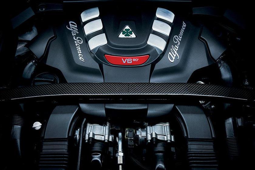 2018 Alfa Romeo Stelvio 4dr SUV Quadrifoglio Engine