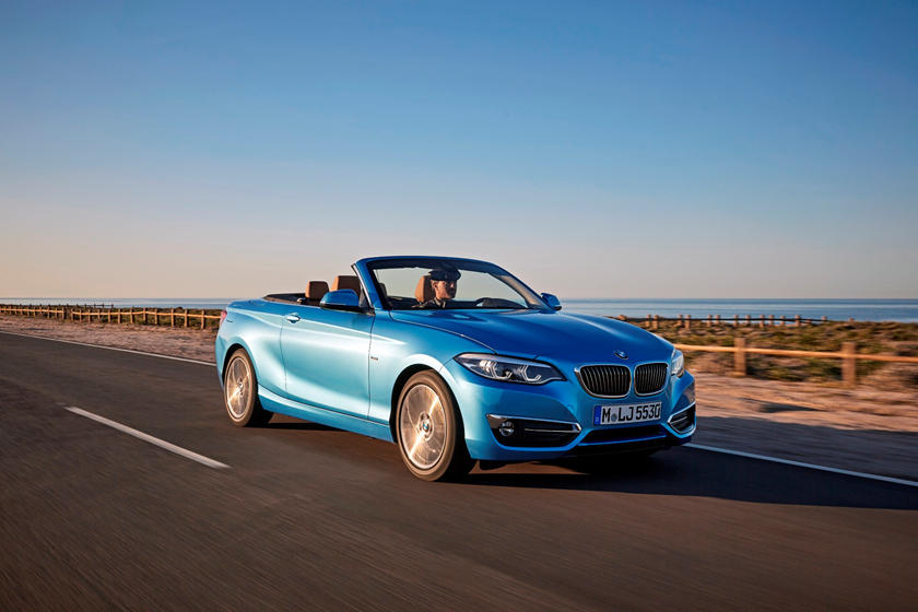 2018-2019 BMW 2 Series Convertible Right Front Three-Quarter Dynamic