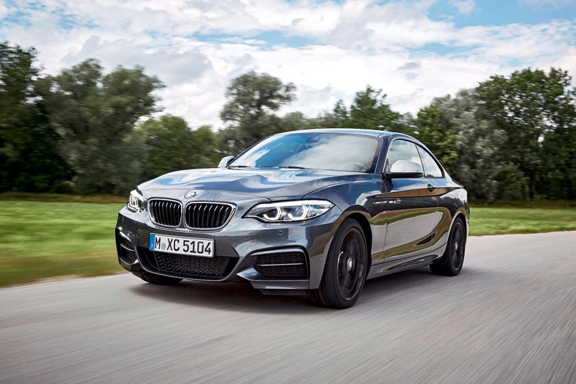2018-2019 BMW 2 Series Coupe Left Front Three-Quarter Dynamic
