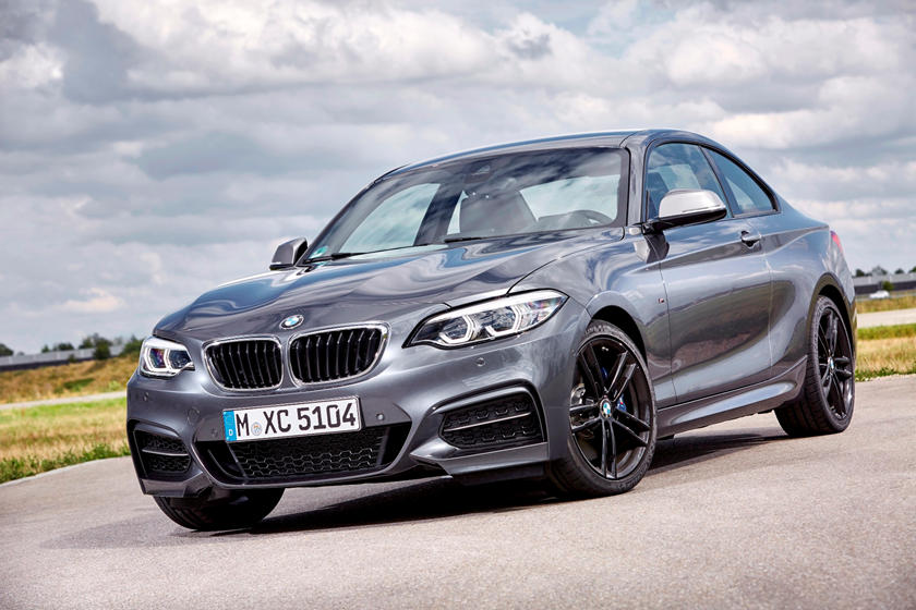 2018-2019 BMW 2 Series Coupe Front Three-Quarter Left Side View