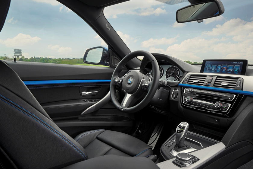 2017-2019 BMW 3 Series Gran Turismo Driver Area