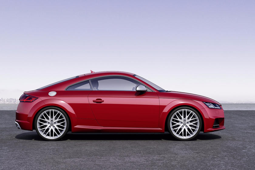 2016-2018 Audi  TTS Coupe Right Side View