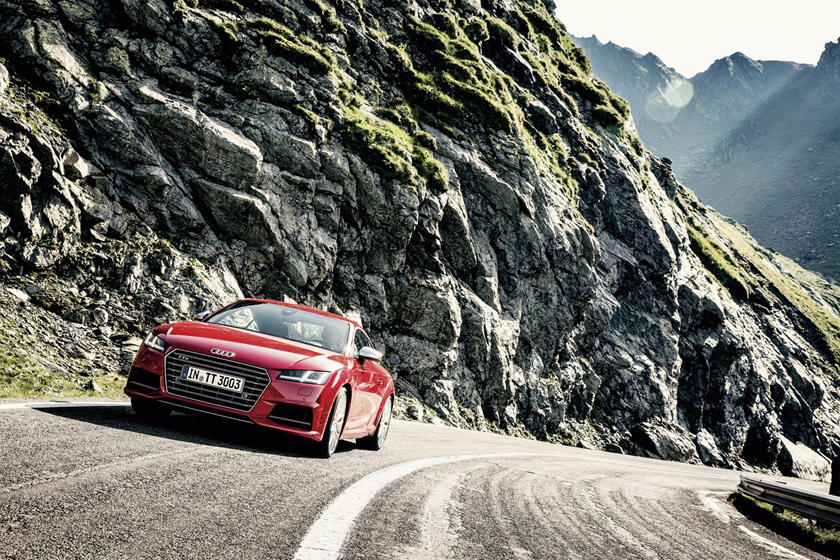 2016-2018 Audi  TTS Coupe In Motion