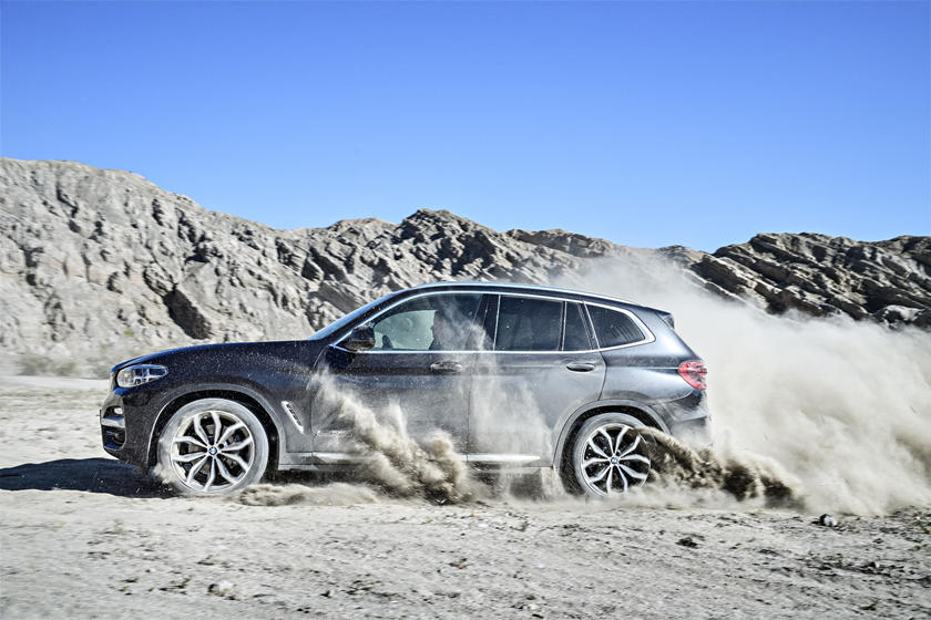 2018-2019 BMW X3 Driving Action
