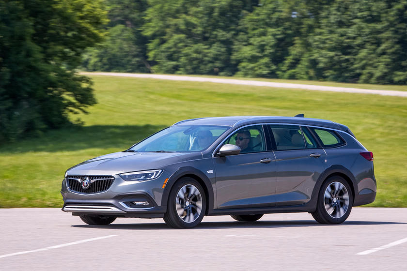 2018 Buick Regal TourX Wagon Front Three-Quarter Left Side View