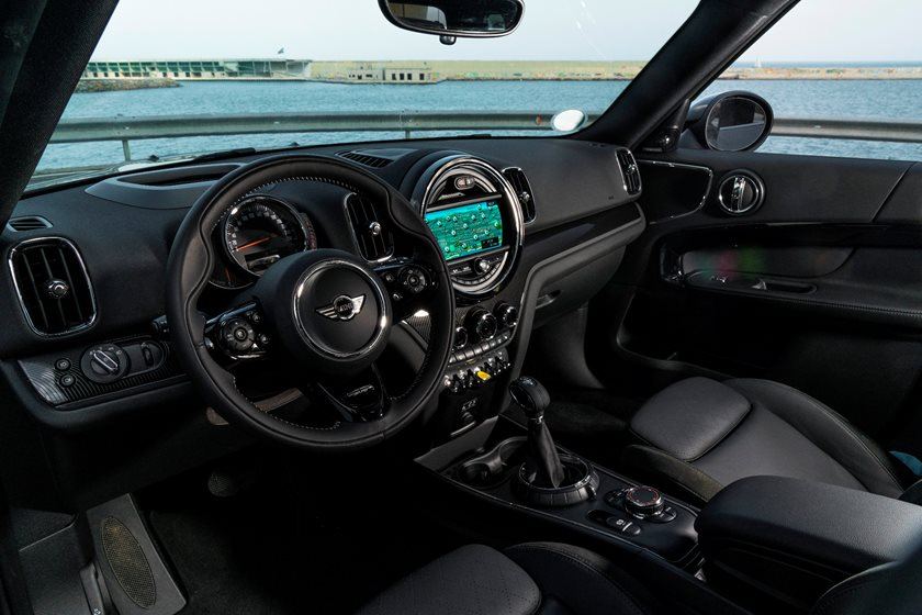 2018 MINI Countryman Cooper S E ALL4 Wagon Interior