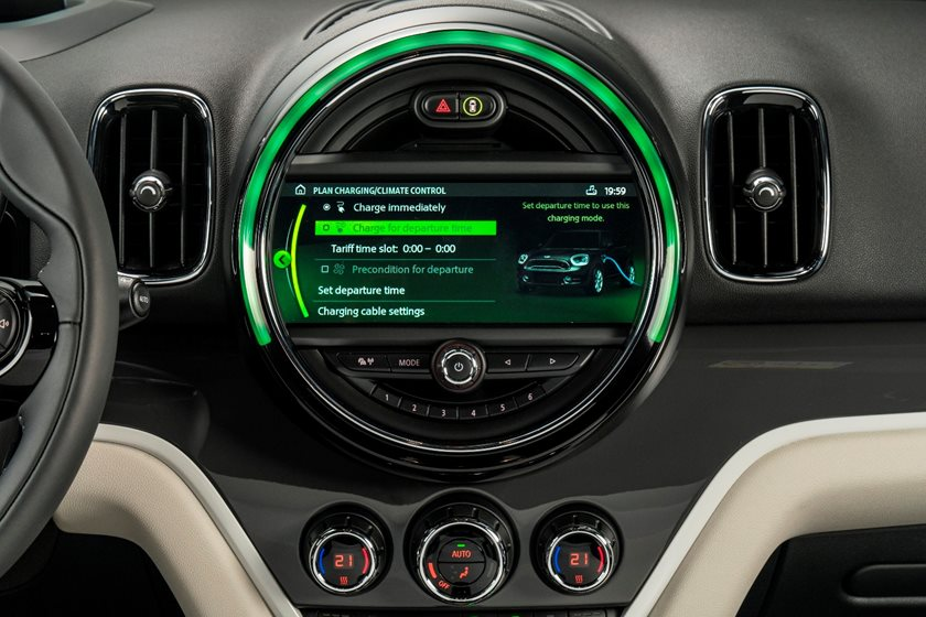2018 MINI Countryman Cooper S E ALL4 Wagon Infotainment