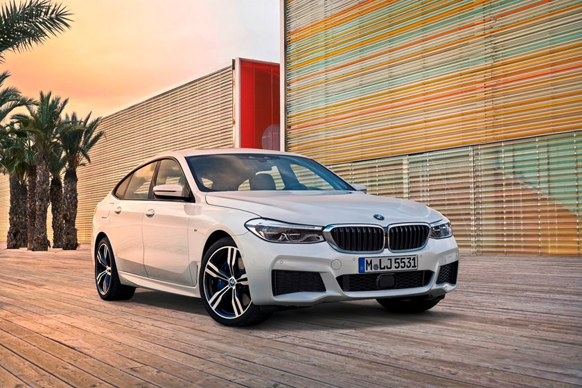 2018 BMW 6 Series Gran Turismo Front Three-Quarter Right Side View
