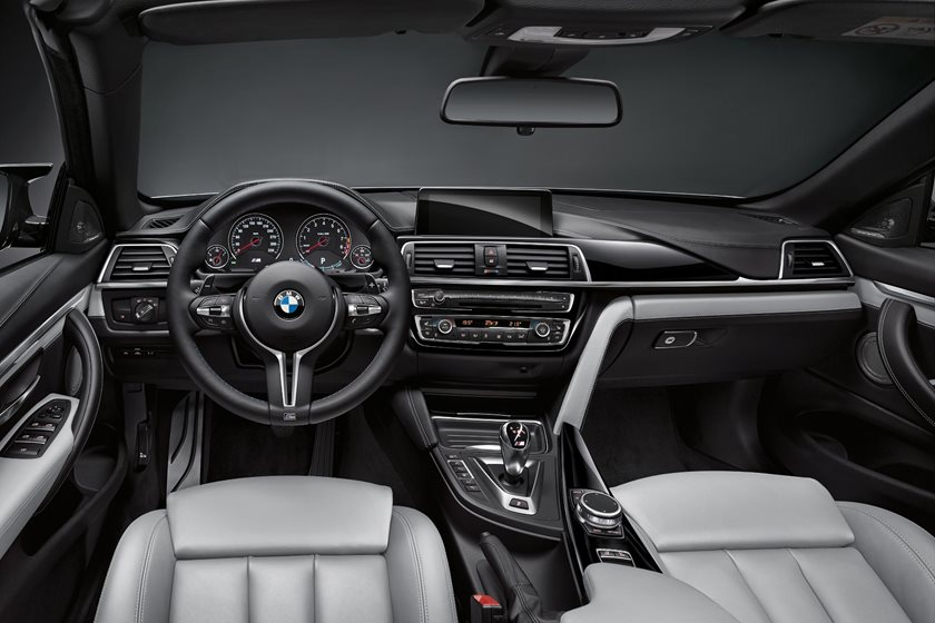 2018 BMW M4 Convertible Driver and Passenger Front View