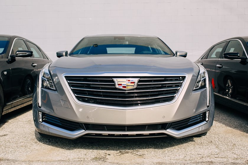 2017-2018 Cadillac CT6 Hybrid Front View