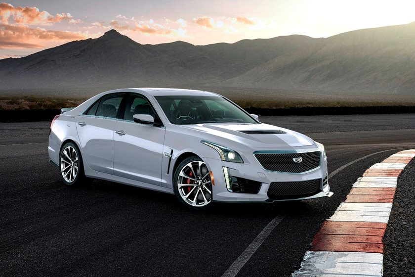 2016-2018 Cadillac CTS-V Sedan Front Three-Quarter Right Side View