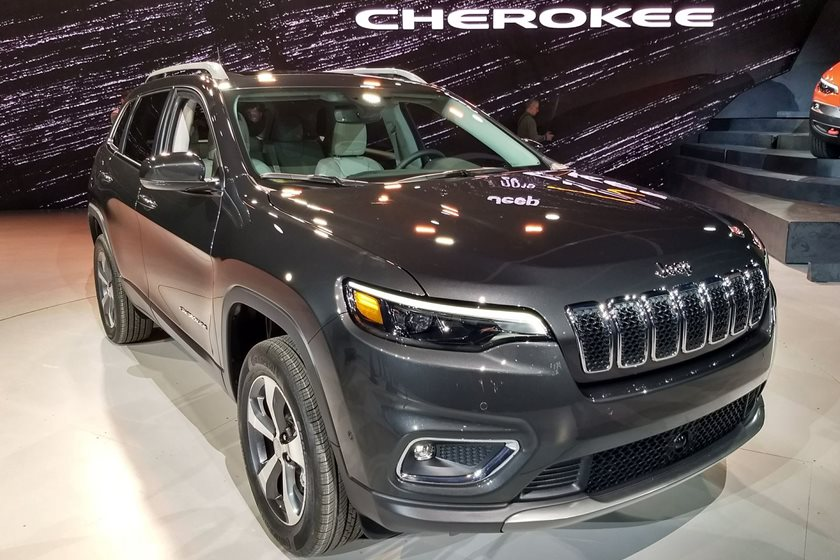 2019 Jeep Cherokee Debuts In Detroit With Fresh Face And Wrangler Engine