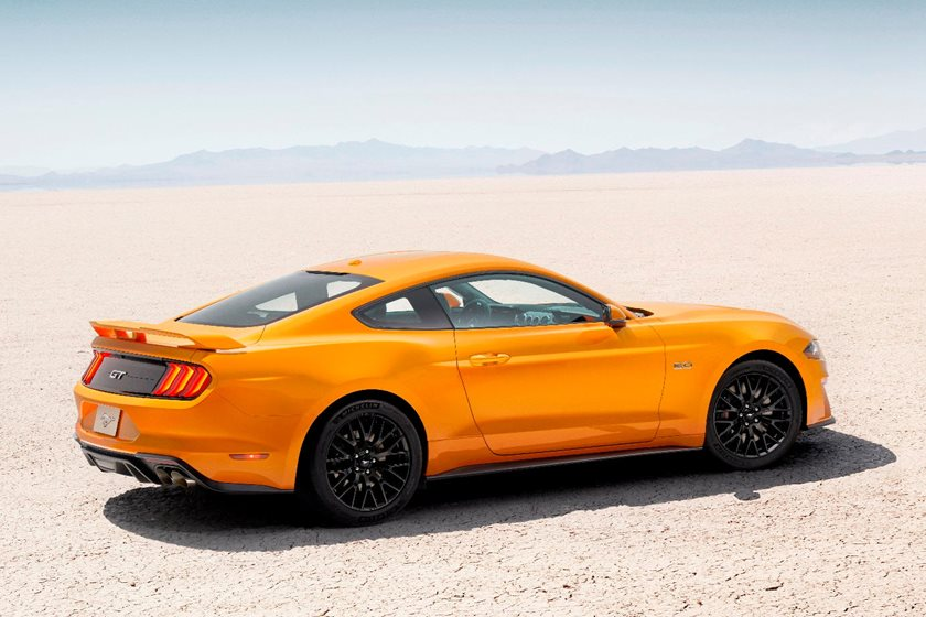 2018-2019 Ford Mustang Coupe Rear Three-Quarter Right Side View