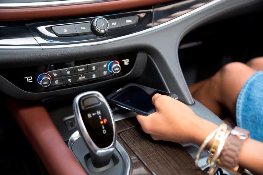 2018-2019 Buick Enclave Central Console