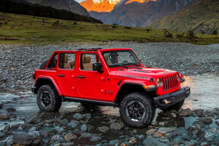There Have Been Some Big Changes Under The Lighter And Stronger Sheet Metal  Though And The 4 Door Wrangler Unlimited Offers A Range Of Improvements To  Ride ...