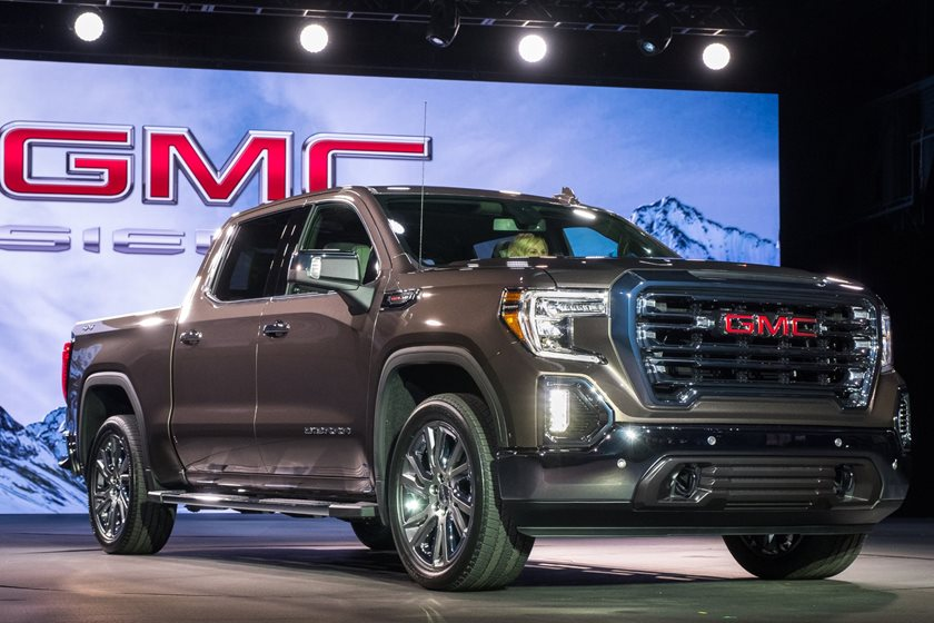 2019 GMC Sierra Unveiled With Exclusive Carbon-Fiber Bed ...