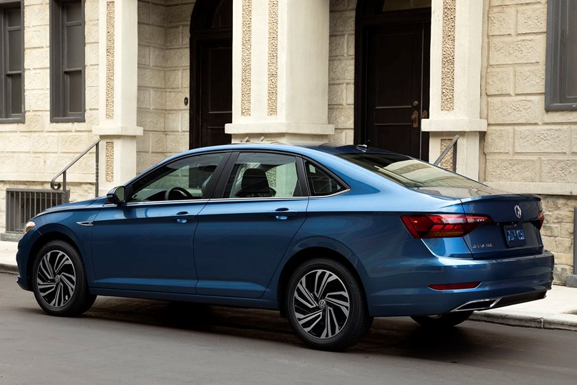 Bigger 2019 Volkswagen Jetta Gets Better Mileage Carbuzz