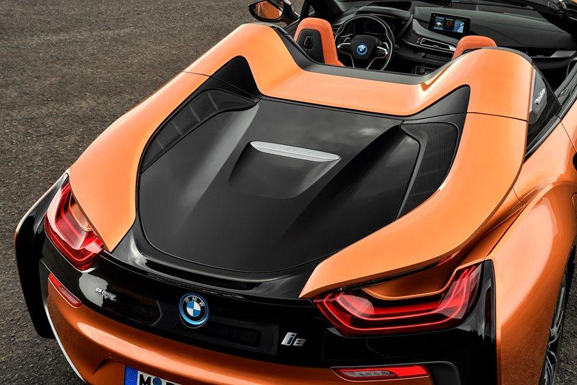 2019 BMW i8 Roadster Rear Side Closeup