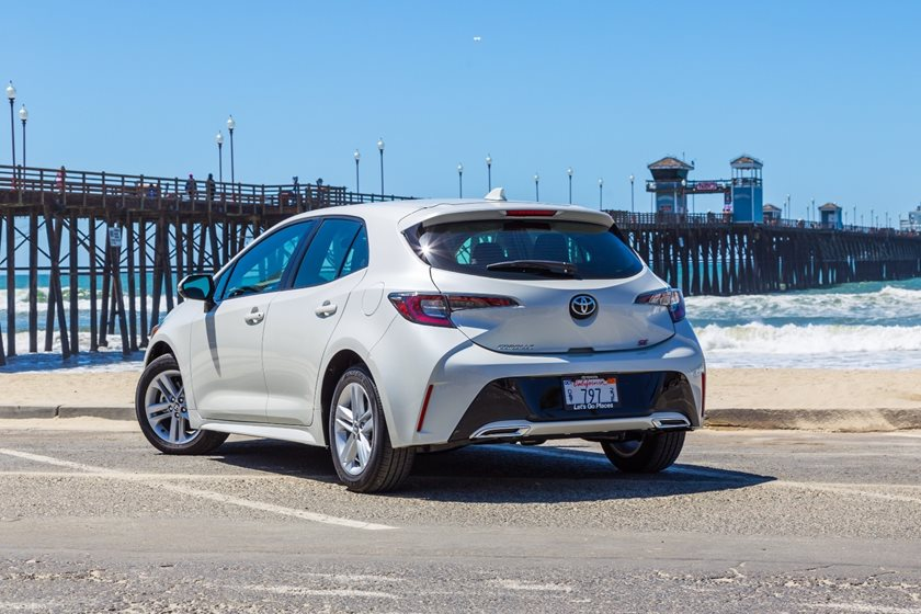 2019 Toyota Corolla Hatchback Review Trims Specs And Price Carbuzz