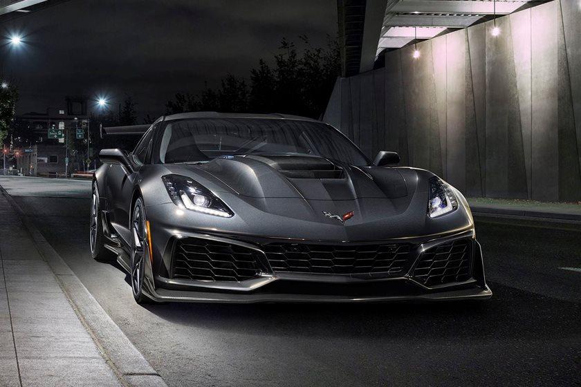 Watch The Chevrolet Corvette Zr1 Dominate The Dodge Demon Carbuzz