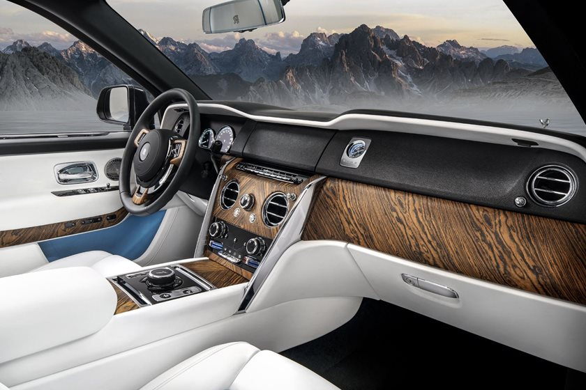 10 Things You Don T Know About The Rolls Royce Cullinan Carbuzz