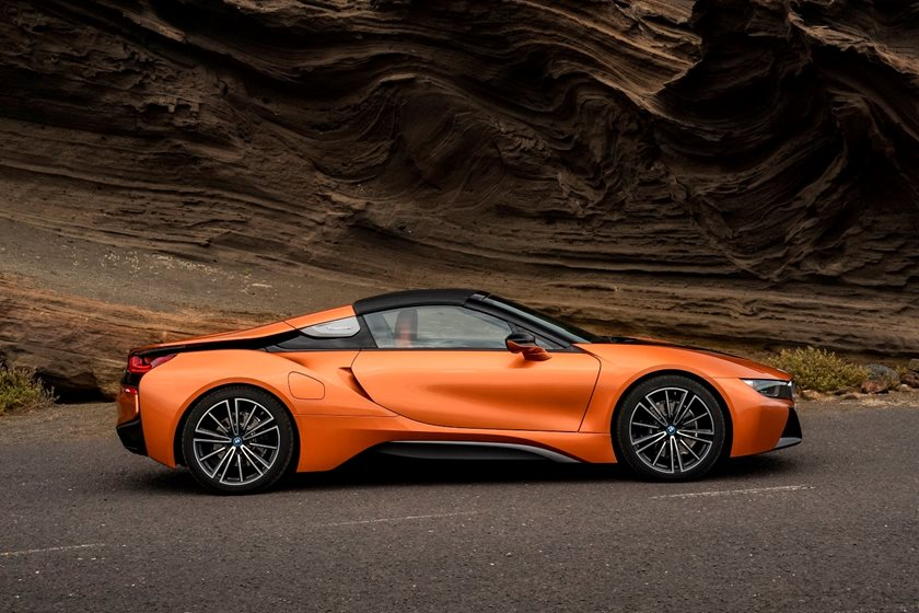 2019 BMW i8 Roadster Right View