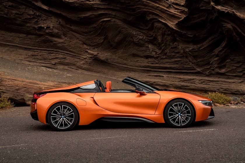 2019 BMW i8 Roadster Right Side View