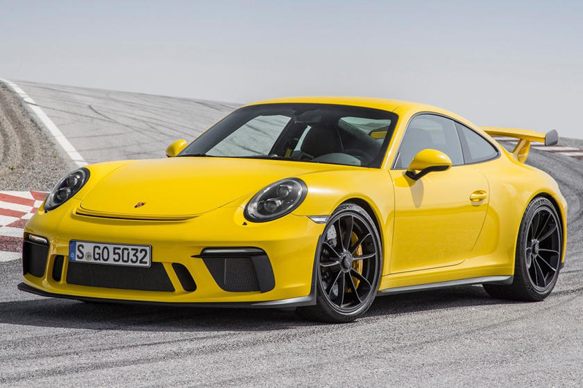 6 Amazing Supercars You Can Still Buy With A Manual Gearbox Carbuzz