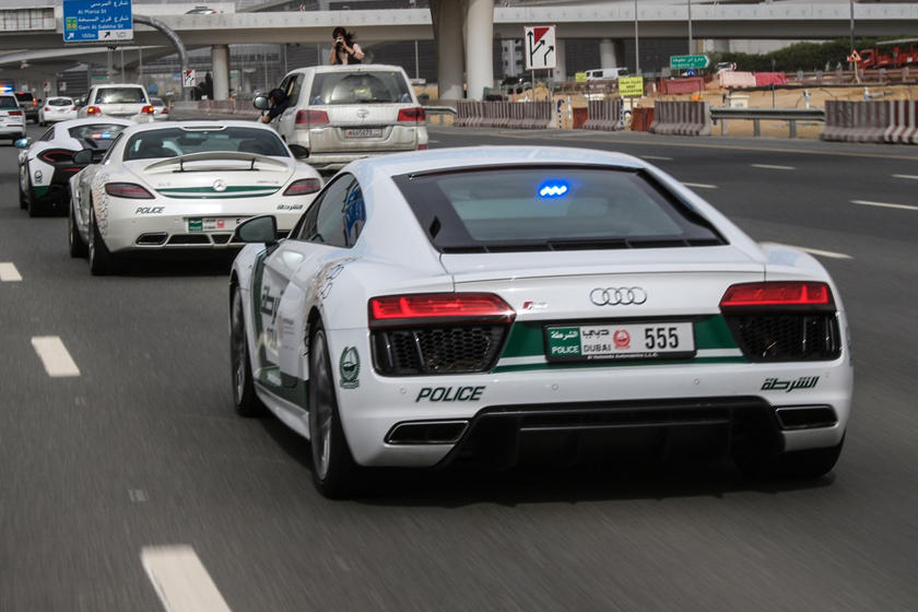 10 Amazing Police Cars From Around The World Carbuzz