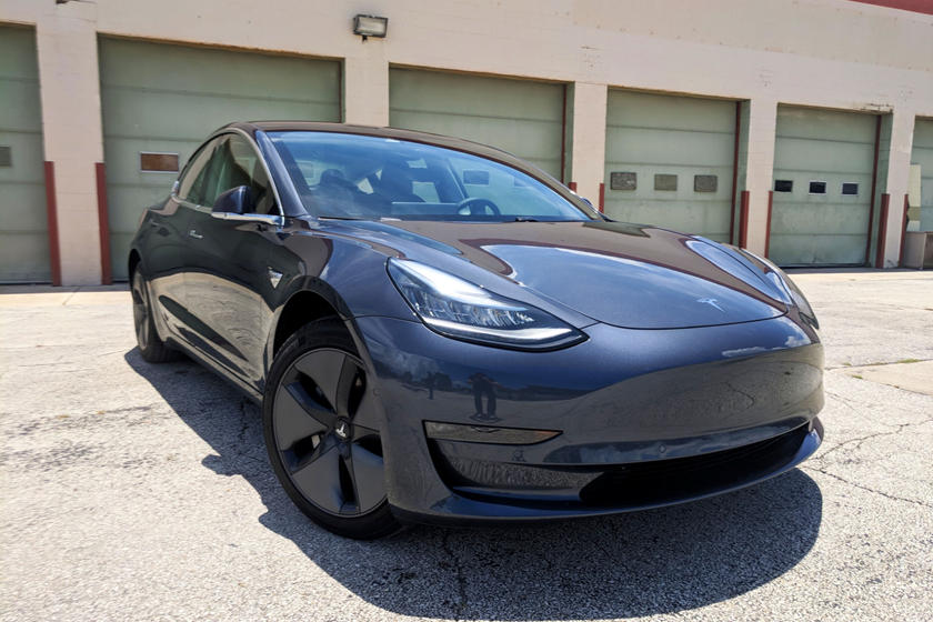 2018 Tesla Model 3 Front Three-Quarter Right Side View