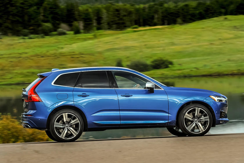 2018-2019 Volvo  XC60 Right Profile Dynamic