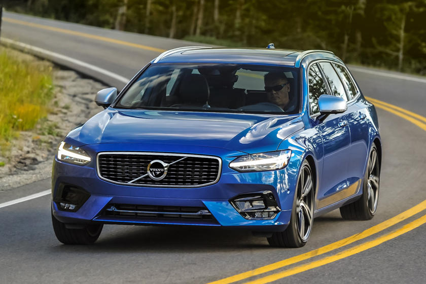 2018-2019 Volvo V90 Front Angle Dynamic