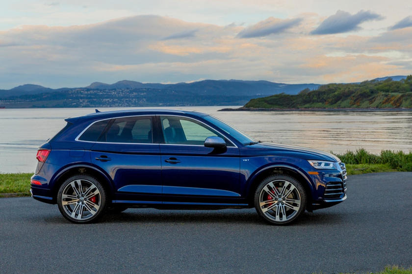 2018 Audi SQ5 Right Side View
