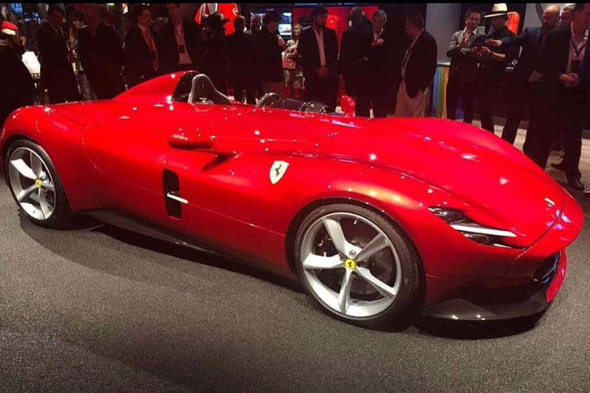ferrari monza sp1 and sp2 revealed at private event carbuzz. Black Bedroom Furniture Sets. Home Design Ideas