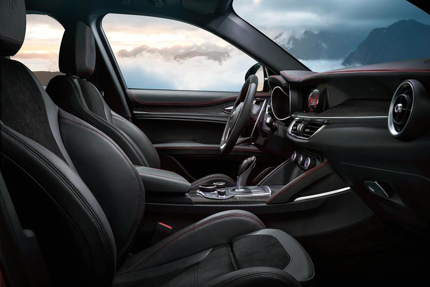 2018-2019 Alfa Romeo Stelvio Quadrifoglio Front Seats
