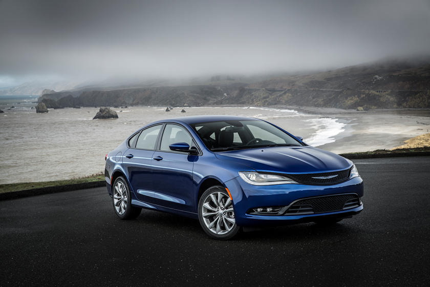 2017 Chrysler 200 Sedan Review Trims Specs And Price Carbuzz
