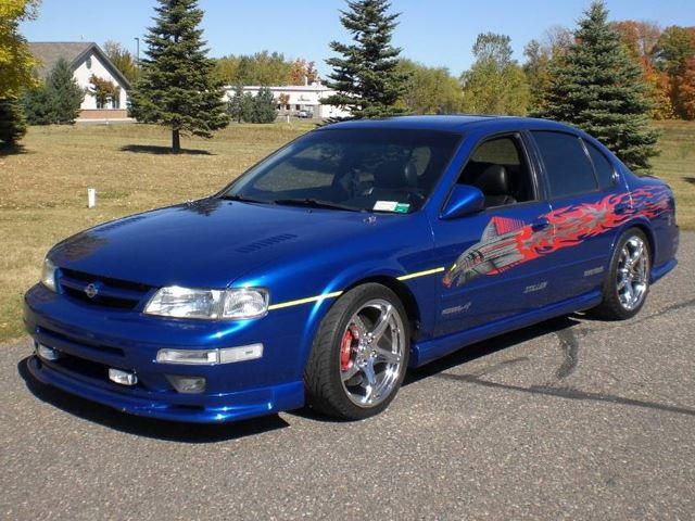 1999 F F Nissan Maxima Surfaces For 40 000 Carbuzz