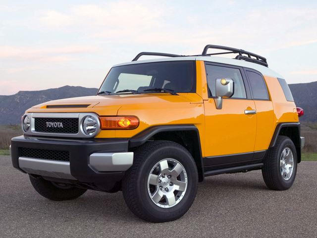 Toyota Fj Cruiser Japan S Gas Guzzler Response To Hummer H2 Carbuzz