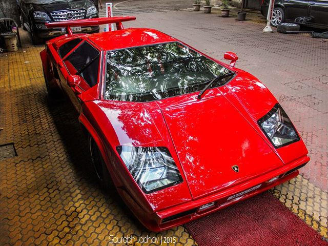 This Lamborghini Countach Replica Isn T Fooling Anyone Carbuzz