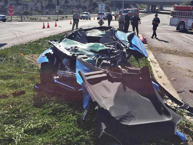 Cement Truck Flattens Bmw I8 Proves Just How Safe The Sexy Sports