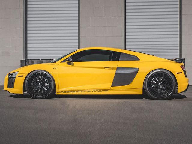 this crazy audi r8 has twice as much power as a bugatti veyron carbuzz. Black Bedroom Furniture Sets. Home Design Ideas